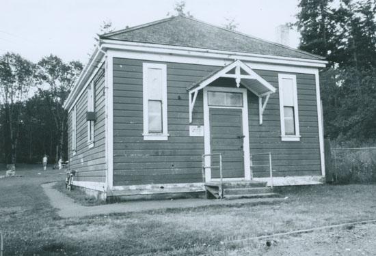 Photo © Saanich Archives - 1980-001-012c